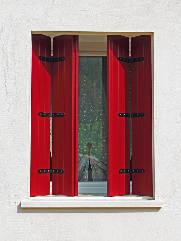 Produzione di balconi e scuri in pvc a vicenza mioni a for Imposte finestre